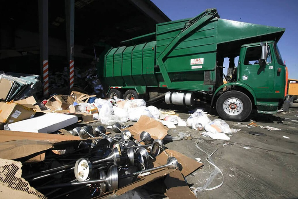Trash Hauling-Augusta Dumpster Rental & Junk Removal Services-We Offer Residential and Commercial Dumpster Removal Services, Portable Toilet Services, Dumpster Rentals, Bulk Trash, Demolition Removal, Junk Hauling, Rubbish Removal, Waste Containers, Debris Removal, 20 & 30 Yard Container Rentals, and much more!